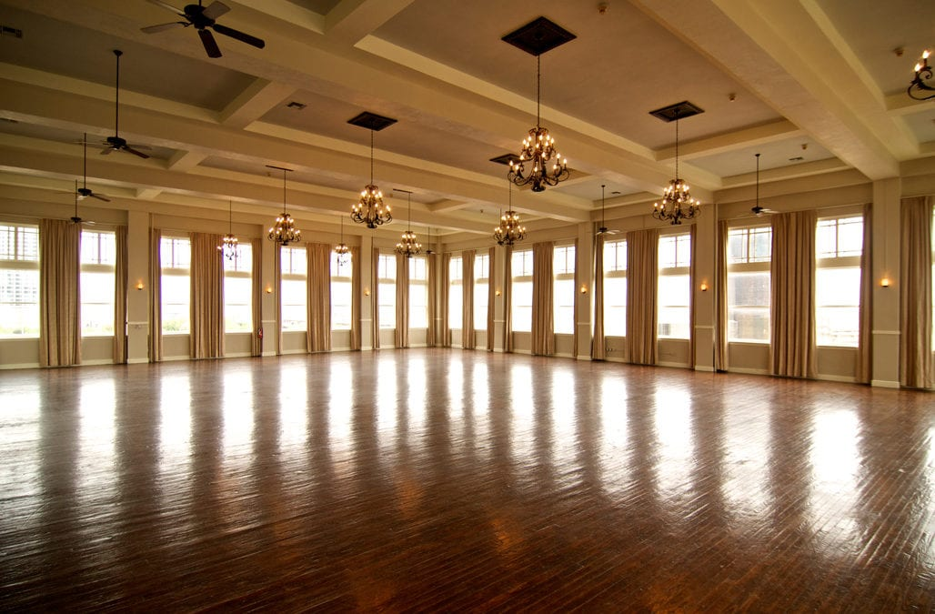 Dallas TX Wedding Venue: The Room on Main